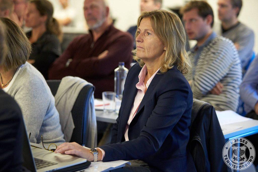 Monica Andersen Mo, styremedlem i PTK og heretter også styremedlem i NTF.